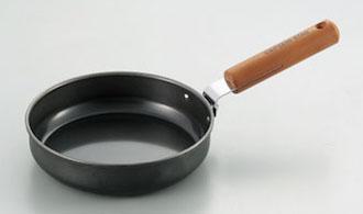 黒皮鉄板仕様のフライパン