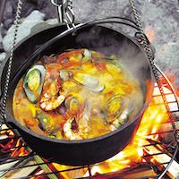キャプテンスタッグ ダッチオーブンで楽しむ秋冬キャンプ おすすめの使い方