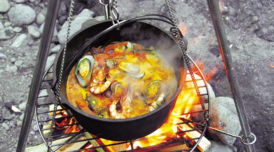 ダッチオーブンで楽しむ秋冬キャンプ