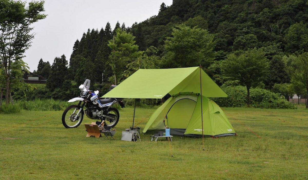 タープを張る時に必要なもの ソロキャンプでも簡単に張れるおすすめのアイテム ヘッダーイメージ